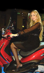 girl with piaggio